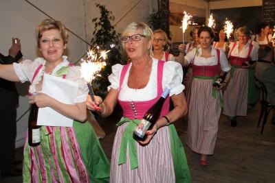 """""""Feurige"""" Gratulationen der Waldviertler Weinweiber. Foto: Martin Kalchhauser"""